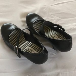 American Eagle Mary Jane Heels Size 9
